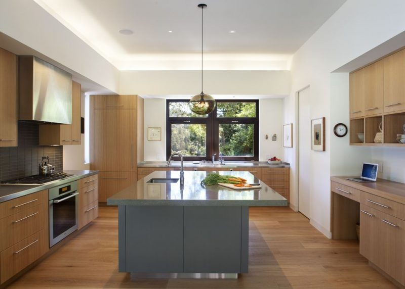 Balanced and open kitchen designs