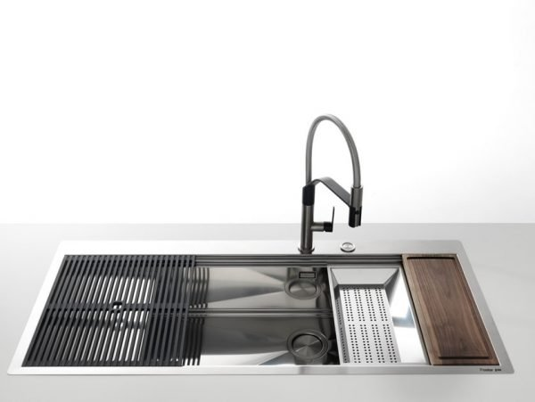 Kitchen Sink with Drainer