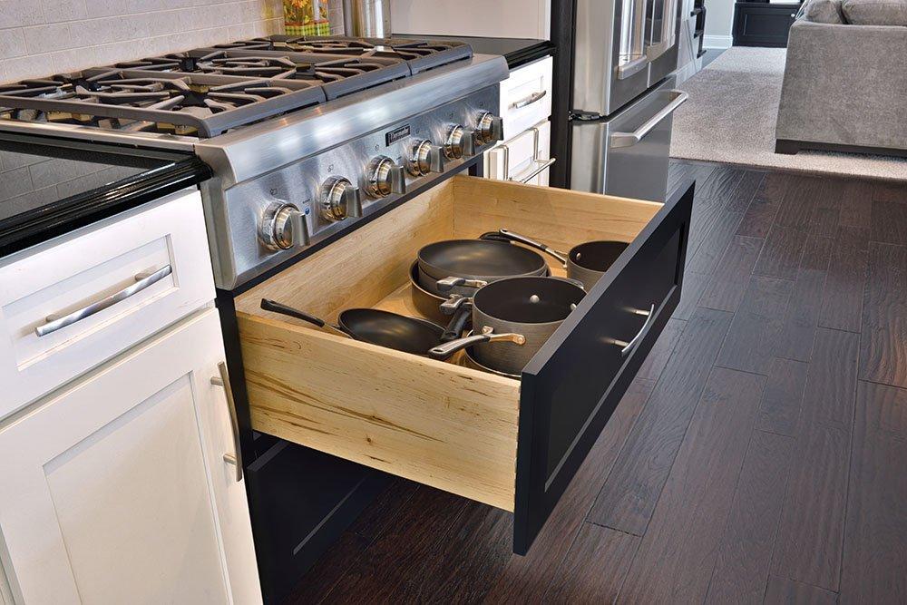 Kitchen cabinet drawer box
